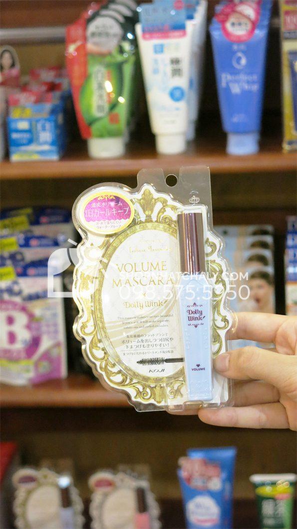 Mascara Dolly Wink Nhật Bản xanh làm dày mi trên tay