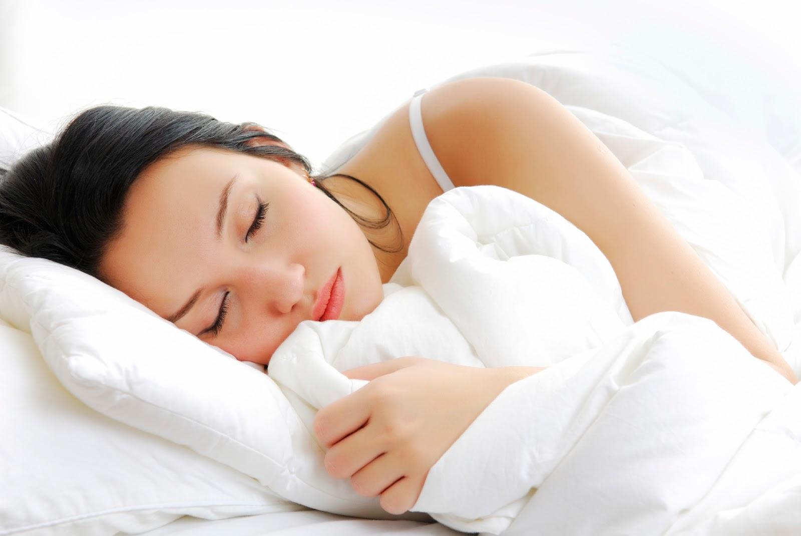 Ngủ sớm để ngừa thâm quầng mắt