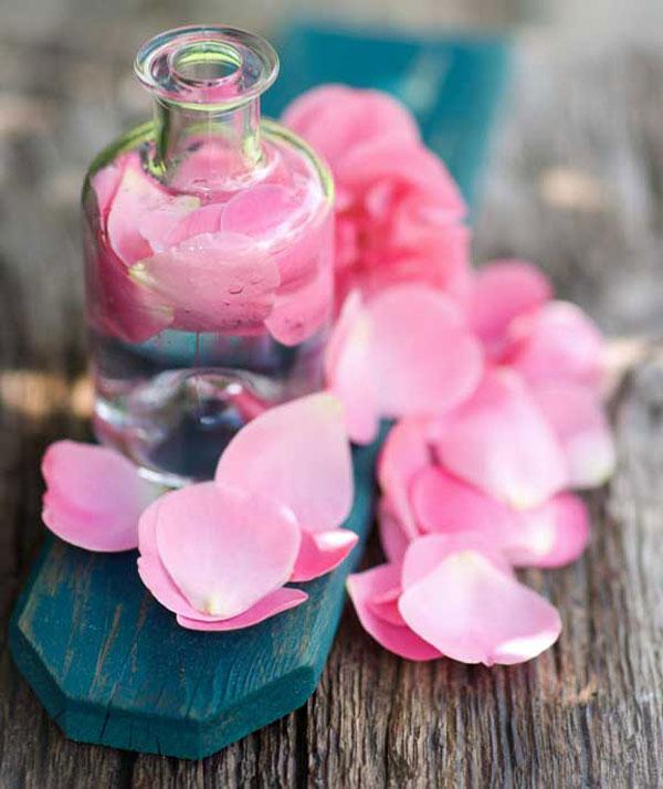 Nước hoa hồng cho da nhạy cảm