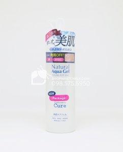Mẫu mới 2019 của tẩy da chết Cure có nhiều điểm thiết kế lại, như phần logo 'Produced by Cure' và dòng chữ 'Natural Aqua Gel'