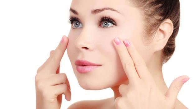 Mát xa mí mắt có tác dụng dưỡng lông mi dài