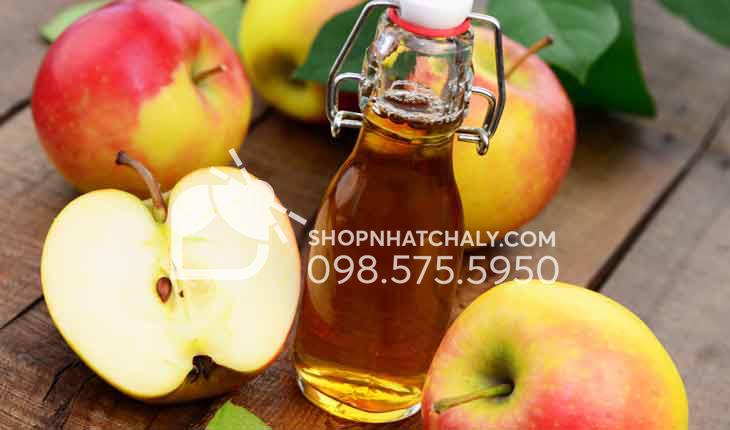 Giấm táo không chỉ giúp trị mựn lưng mà còn trị mụn trứng cá trên toàn bộ cơ thể.