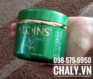 Kem lô hội Aloins Eau de Cream vô cùng được chuộng ở Nhật. Nhiều người dùng, blogger thường xuyên chia sẻ