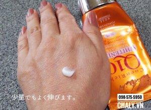 Kem tay Kose Coenriched Q10 dùng chống lão hoá, dưỡng trắng, trị sạm xỉn cho cả những đôi tay lão hoá nhăn nheo, khô sần như thế này