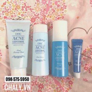 Bộ sản phẩm acne control rất hot của DHC Nhật. Trong đó nổi bật nhất là nước hoa hồng và tinh chất trị mụn