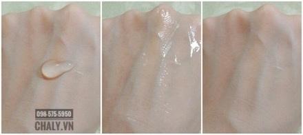 Chất thạch của gel đa năng thẩm thấu nhanh, thoa xong da mát lạnh căng mượt như mới được tiêm botox !