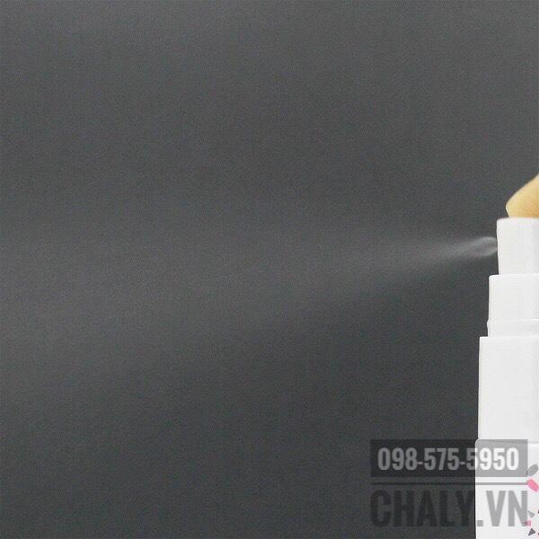 Kem dưỡng mắt của Nhật Bản dạng xịt Mesiru eye care mist với tia xịt nhỏ, không làm xô lệch lớp trang điểm, nhưng lại đủ khả năng thẩm thấu đưa dưỡng chất vào bên trong