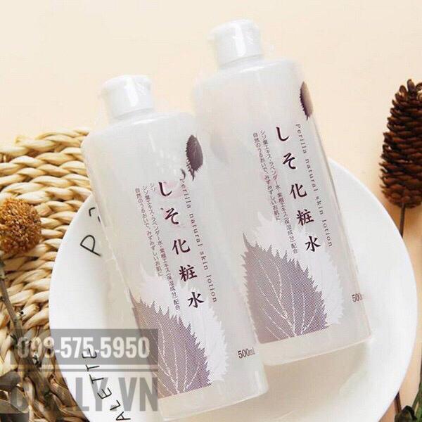 Toner lá tía tô là một sản phẩm nước hoa hồng cho da nhờn của Nhật được yêu thích