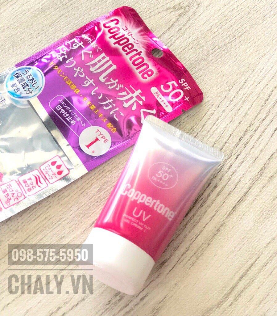 Kem chống nắng coppertone có tốt không? Tuýp coppertone kem chống nắng màu hồng độ ẩm hơi cao, mình nghĩ là phù hợp với da thường hoặc thiên khô gì đó. Da dầu dùng màu vàng là đẹp