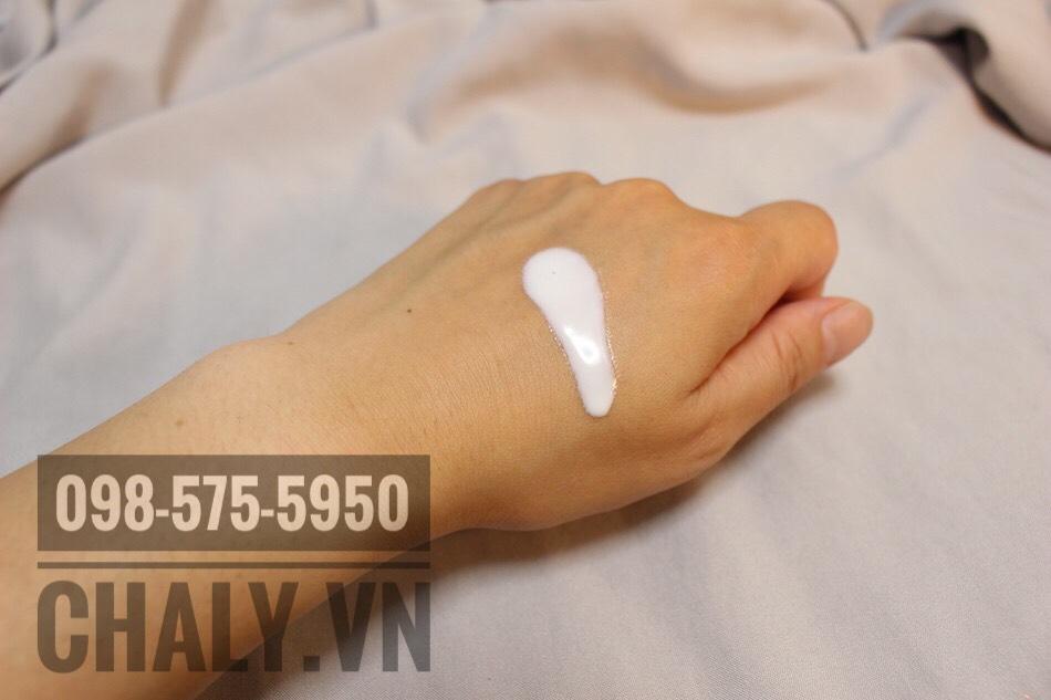 Kem chống nắng Kose Nhật giúp dưỡng trắng da, mờ dần thâm sạm sau một thời gian sử dụng đều đặn