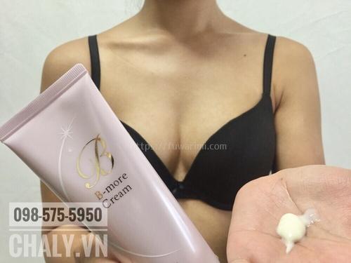 Tuy size ngực giảm do tuổi tác không thể tránh được nhưng chịu khó dùng kem DHC B-more giúp ngực tôi có line, đầy đặn hơn và sáng màu. Hiệu quả tốt