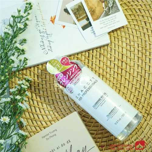 nuoc tay trang Chacott for Professionals Cleansing Water 10